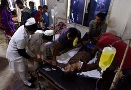Alcool frelaté en Inde: le bilan s'alourdit à 156 personnes tuées