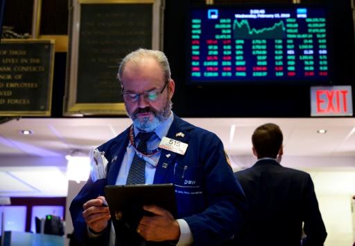 Wall Street finit en petite baisse, peu sensible à Jerome Powell