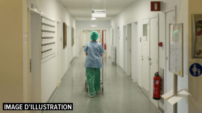 Le bébé de 2 mois retrouvé dans un état grave dans un hôtel de Saint-Gilles est décédé