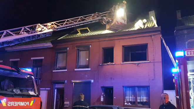 Dampremy: un violent incendie embrase une habitation