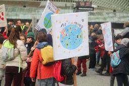 Un millier de jeunes pour le climat à Liège