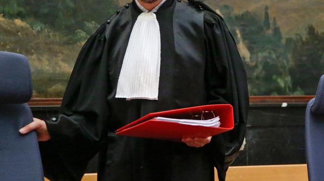 Le ministère public accuse un homme d'avoir trahi la justice alors qu'il avait été condamné à une peine de travail: