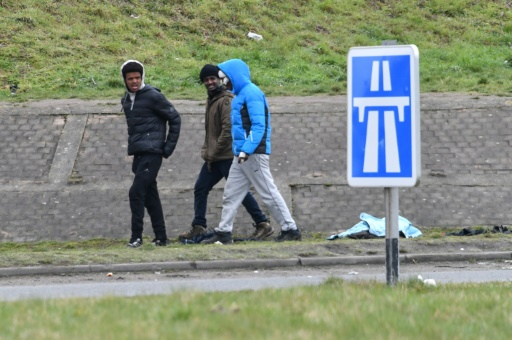 Calais: incursion d'une centaine de migrants dans le port, au moins 46 interpellations