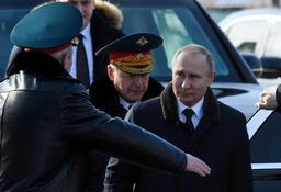 Poutine suspend officiellement la participation de la Russie au traité INF
