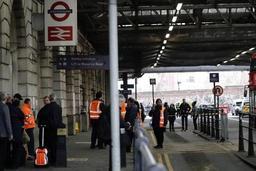 La police antiterroriste enquête sur trois engins explosifs à Londres