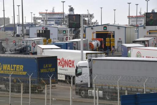 Brexit: les douaniers maintiennent leur mouvement à Calais et Dunkerque