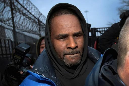 R. Kelly prend la parole pour rejeter des accusations d'abus sexuels