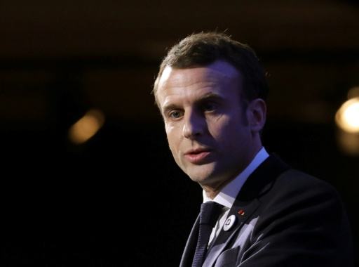 Sans-abri: le gouvernement accusé de duplicité après une maraude de Macron