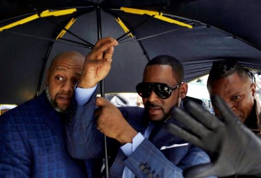 Le chanteur R. Kelly écroué pour non paiement de pension alimentaire