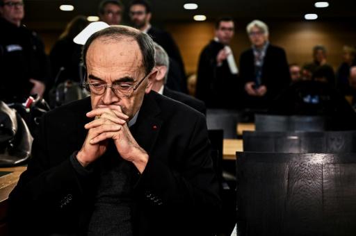 Le cardinal Barbarin condamné à 6 mois de prison avec sursis pour non-dénonciation d'abus sexuels
