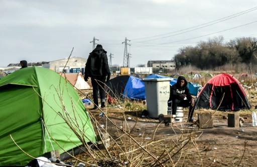 Calais: décès d'un migrant découvert dans la remorque d'un poids lourd au port
