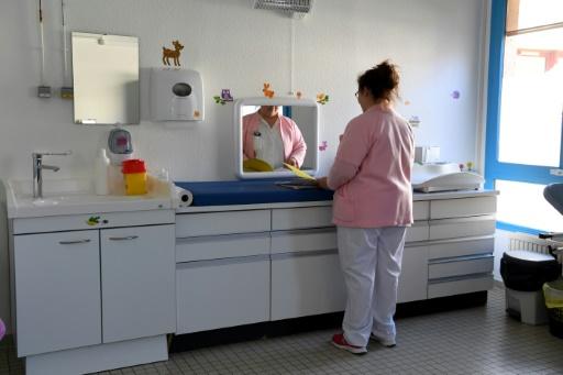 Mort d'un bébé in utero: colère et enquête autour d'une maternité fermée dans la Drôme