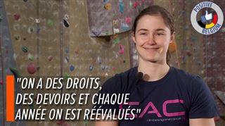 Pour s'entraîner et étudier, la championne belge Chloé Caulier dispose d'un mur d'escalade dans son kot et d'un salaire de 900€ par mois