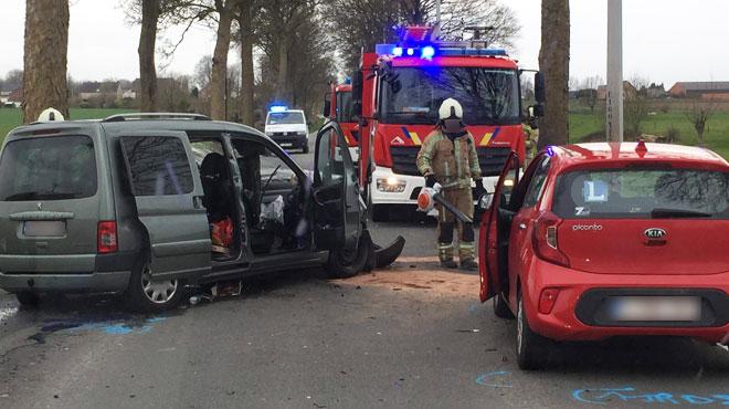 Trois véhicules sont entrés en collision à Beaumont: trois blessés