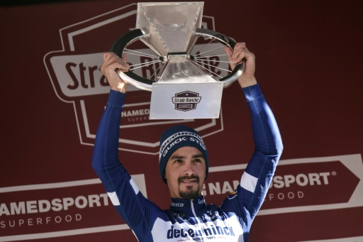 Cyclisme: Magistral Alaphilippe sur les Strade Bianche
