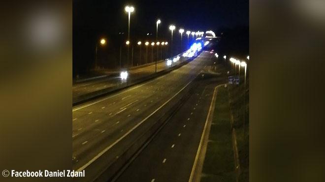 Carambolage entre 7 véhicules sur la E40 à Blégny: une personne grièvement blessée