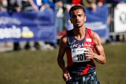 Soufiane Bouchikhi devance les Français lors de leur championnat national de cross