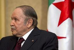 Bouteflika renonce à un 5e mandat et reporte sine die la présidentielle
