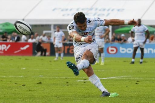 Rugby: Carter, jugé inapte médicalement en France, veut rejouer au Japon
