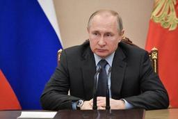 Russie: Vladimir Poutine durcit la législation contre la mafia