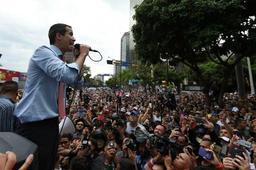 Crise au Venezuela - A Caracas, Guaido jure de