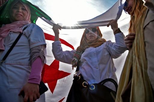 Algérie: un millier d'enseignants et d'élèves manifestent à Alger