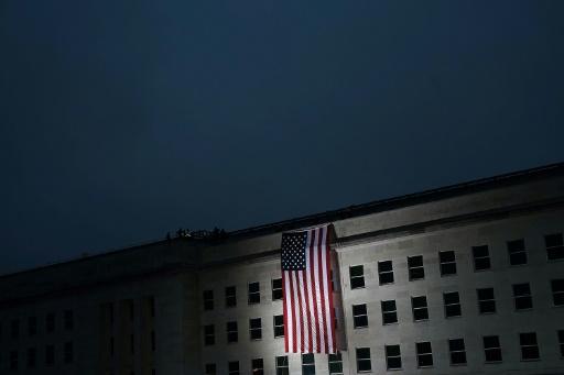 Le Pentagone limite l'enrôlement des personnes transgenres