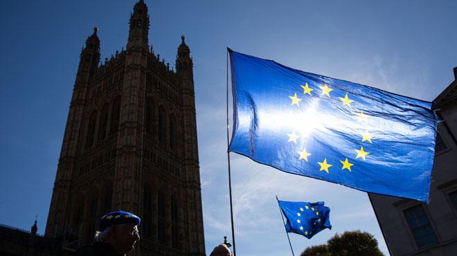 Brexit: les députés britanniques votent pour un report, voici tous les scénarios possibles
