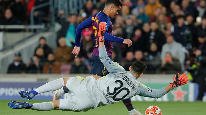 Le président de Lyon tacle un de ses joueurs après l'humiliation face à Barcelone