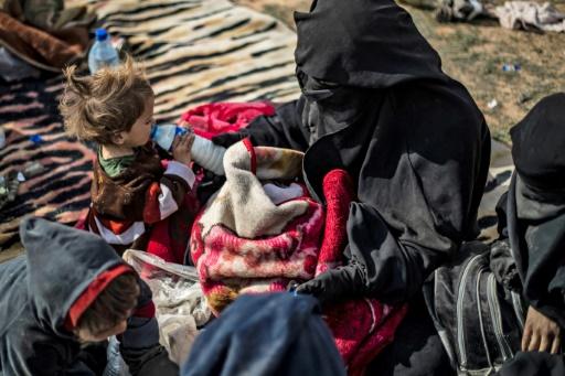 Paris rapatrie pour la première fois de Syrie des enfants de jihadistes
