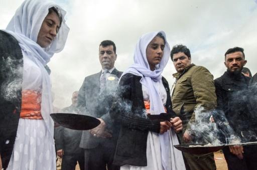L'Irak exhume un premier charnier dans le bastion des Yazidis décimés par l'EI