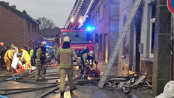 Dramatique incendie à Quaregnon: deux habitants trouvent la mort, l'un d'eux en se défenestrant