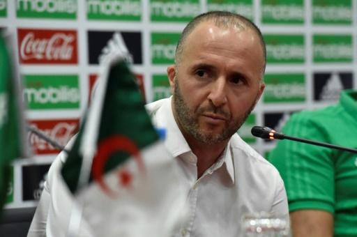 Foot: le sélectionneur de l'Algérie apporte son soutien aux manifestants