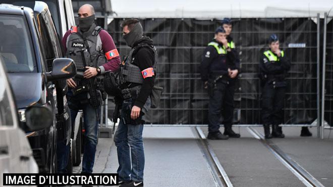 Des grenades lancées sous les véhicules depuis 15 jours: que se passe-t-il à Anvers?