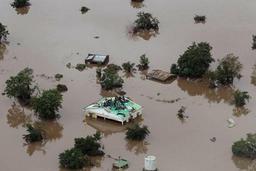 Cyclone en Afrique australe: course contre la montre pour sauver des vies