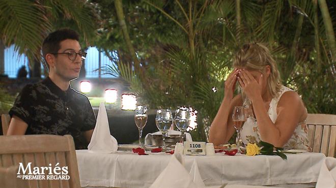 Entre Giuseppe et Lora, rien ne va plus: la jeune mariée fond EN LARMES et quitte la table (vidéos)