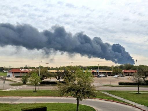 L'incendie dans un complexe pétrochimique du Texas est éteint