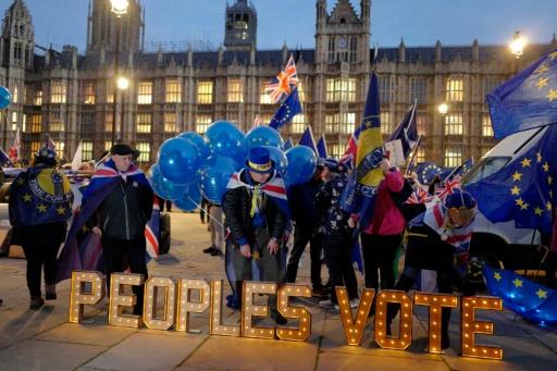 Une pétition anti-Brexit dépasse le million de signatures en un jour
