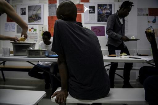 Très critiqués, les tests osseux pour les jeunes migrants jugés constitutionnels