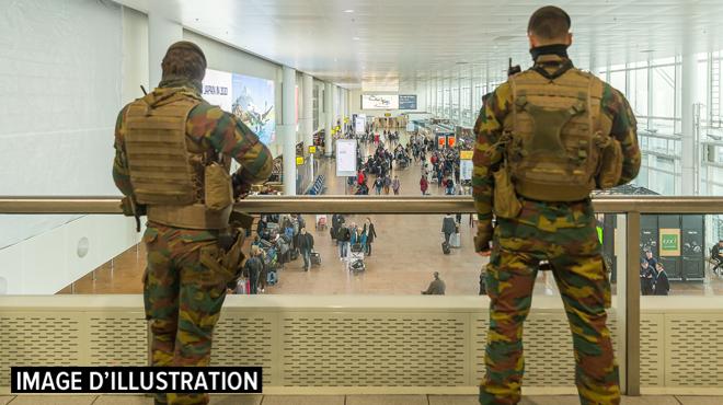 Effondrement à l'aéroport de Bruxelles en pleine commémoration des attentats: des ouvriers légèrement blessés