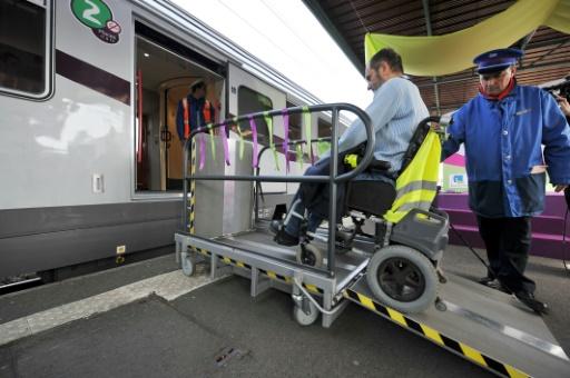 Le Sénat vote un numéro d'appel unique pour l'aide aux handicapés dans les trains