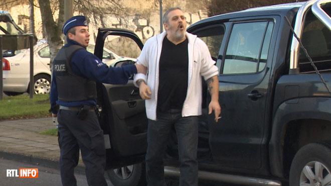 Dossier Hells Angels: la Cour d'Assises de Namur diffuse en audience cette séquence de RTL INFO, où l'accusé s'emporte devant des policiers