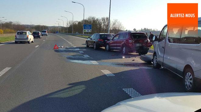 Accident sur l'A54 à hauteur de Gosselies: la voie est libre