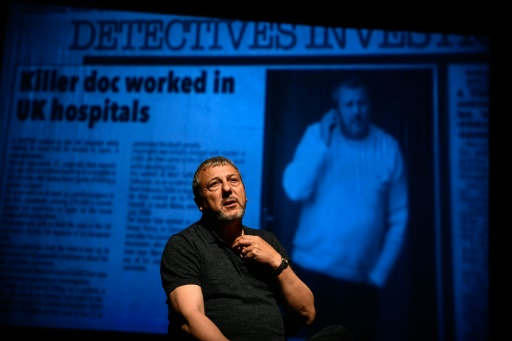 Condamné pour euthanasie, un médecin monte sur scène à Madrid
