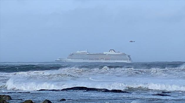 Trois des quatre moteurs du paquebot en difficulté ont redémarré — Norvège