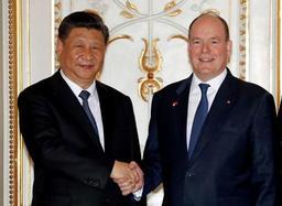 Le président Xi poursuit sa mini-tournée européenne en France après une étape à Monaco