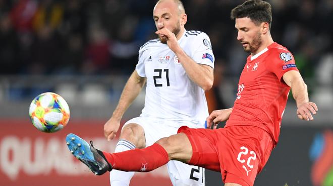 Image choc lors du match Suisse-Géorgie: un joueur géorgien sauve la vie de son adversaire (vidéo)