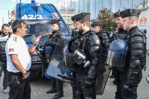 Forains: situation calme au Mans après les affrontements, menace de blocages