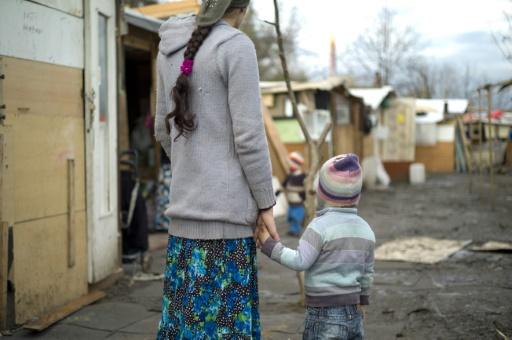Violences contre des Roms après des rumeurs: trois comparutions immédiates à Bobigny