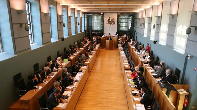 Parlement wallon: gouvernement et opposition trouvent un accord pour relancer le travail parlementaire
